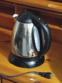 Eletric kettle 10$ Kingston, K7K 2L1
