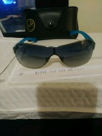 Ray bans with case  49 km