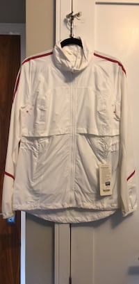 New Lululemon Run:See Me Jacket size 8 Vancouver, V5Y 0B9