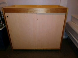 Changing Table 25$