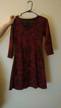 red and black floral long-sleeved dress Buffalo, 14210