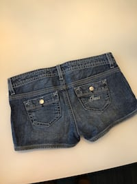 Guess jeans size 26 (xs) shorts Burnaby, V5H 2H9