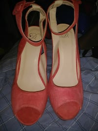 TWO PAIRS OF HIGH HEELS SIZE 10