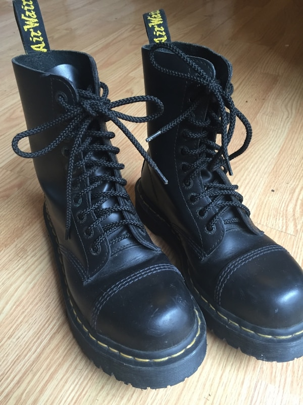 Used Dr. Martens air cushion soles size 7 in men for sale in Redondo ... 2cde2a4aa