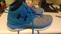 Curry 2s size 6.5