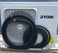 White arcelik split type air conditioner with condenser unit Los Angeles, 90002