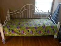 Twin size bed Somerset, 08873