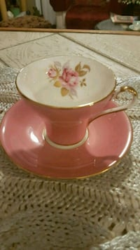 Vintage Aynsley England cup and saucer Barrie, L4N 6C3