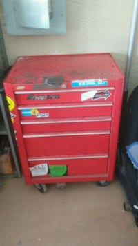 red Snap-on tool chest Lehigh Acres, 33971