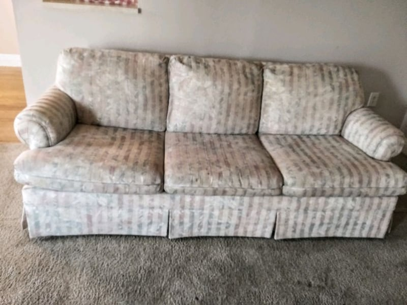Used Broyhill Sleeper Sofa In Excellent