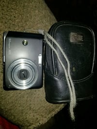 G.E 8 megapixel camera with leather case Leominster, 01453