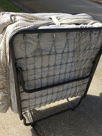 Single to double person got up cot on metal frame & wheels Melbourne, 32935