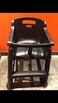 High Chair Rubbermaid Restaurant grade with Wheels Newmarket, L3Y 8H8