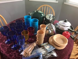 Camping kitchen lot