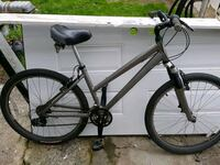 Women's 24 speed specialized expedition Surrey, V3W 4P1