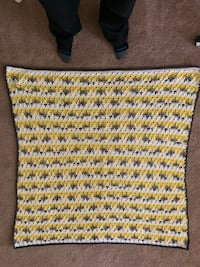 Handmade blanket medium size Coon Rapids, 55433