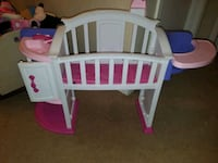 baby's white wooden crib Newton, 39345