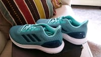 pair of green-and-white Adidas sneakers size 8 El Paso, 79938