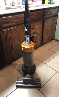 Dyson ball vacuum Midwest City, 73110