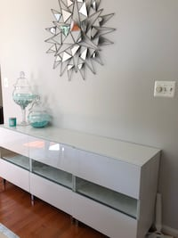 white wooden 3-layer shelf 21 mi