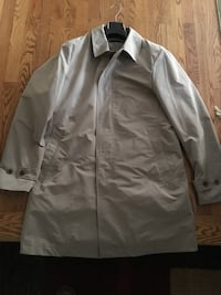 Uniglo men's large trench coat brand new  724 km