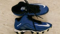Nike cleats size 7y Clinton Township, 48036