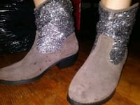 gray-and-silver sparkle cowgirl boots Lexington, 27295