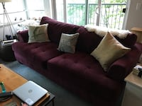 Burgundy loveseat sofa couch Seattle, 98104