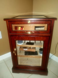 CIGAR HUMIDOR 400CT AND 6 WINE BOTTLE STORER  Miami Beach, 33139