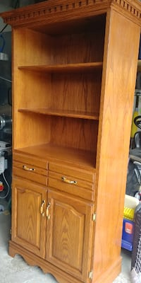 Solid Wood Hand Crafted Display Case / Bookcase Mississauga