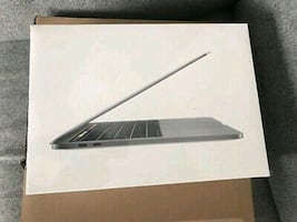 Macbook pro 2018 touch bar 15 inch