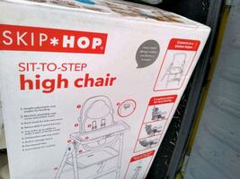 Skip hop sit to step high chair