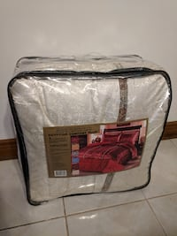 Comforter Set, brand new, queen size Whitchurch-Stouffville