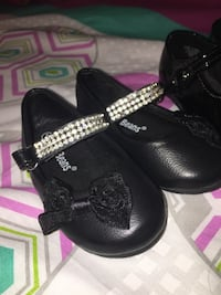 Baby Girl Fancy Sandles Size 4 Mississauga, L5M 3C5
