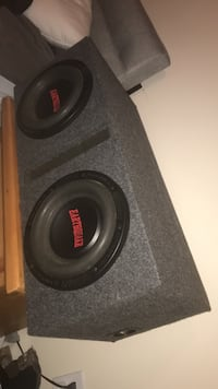 Dual (300 watt rms 600 watt peak) earthquake sound subwoofers, and a boss audio riot r1100m amp. I can show you the set up in person upon meeting to confirm that they work as intended. Comes with either this ported box or another sealed box that I have.