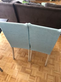 2 dinner chairs with chair cover. Great condition, needs cleaning. Toronto, M2K 1G4
