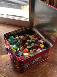 Over 200 Shopkins With Case