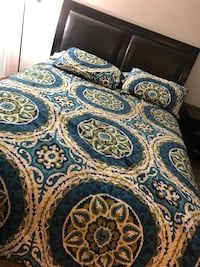 Bedset- vanity, mirror, headboard, rails, side table. Apple Valley, 55124