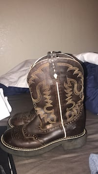 Justin boots size 6b good condition worn a few times! Oklahoma City, 73127