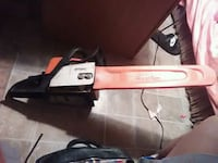 white and red electric hair straightener San Angelo, 76903