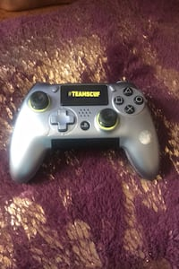 Game console controller New York, 10467