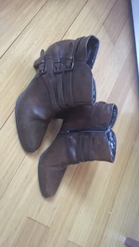Pair of size 8.5 brown leather boots never worn in good condition Woolwich, N0B 2M1