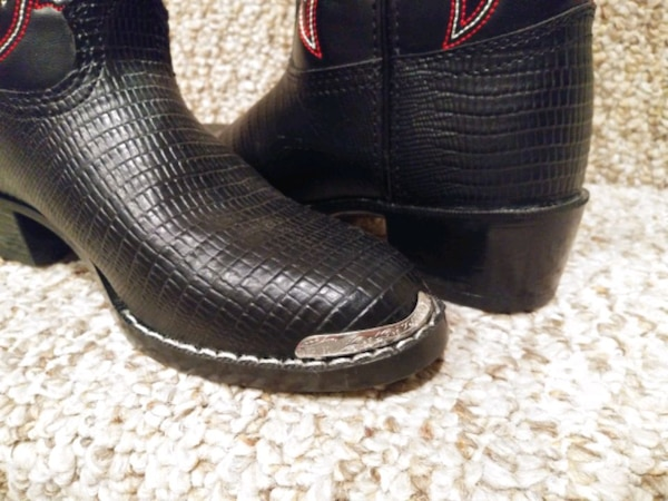NEW Big Kids Size 2 DURANGO BOOTS [Retail $65+tax] w/Metal Tip 965fbd3a-e000-496f-ab2d-8d1c6a0890d2