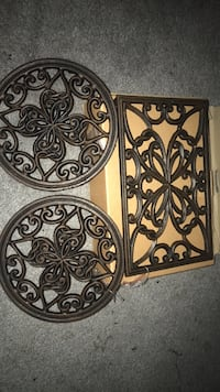 Metal trivet trio set Pottstown, 19464