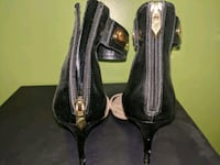 Fergie sandals with ankle strap. Size 7. Ajax, L1T 4A3
