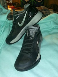 Nike FlyWire tennis shoes