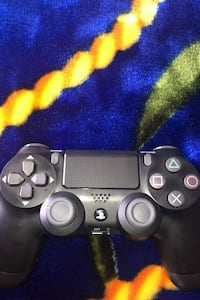 *PS4 CONTROLLER NEVER USED*