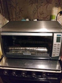"""Black and Decker convection oven will make a 12"""" p Saint Augusta, 56301"""