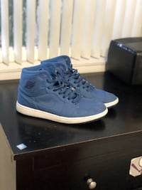Nike men's retro air Jordan 1 blue size 10 Vallejo, 94589