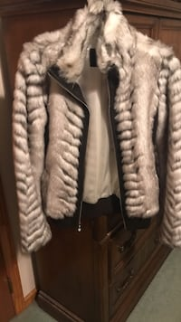 Woman's fur jacket Medium Guess Brand. In perfect condition.  Brick, 08723